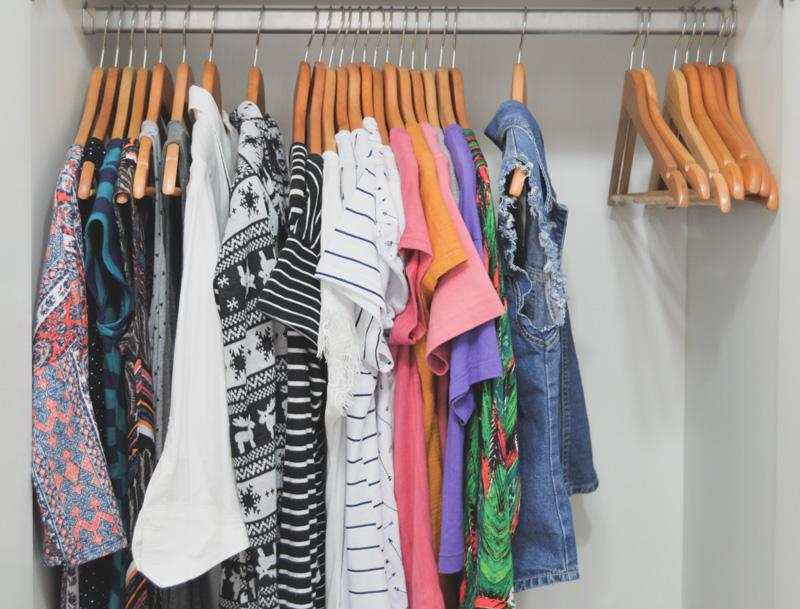 Projeto Desapego: o declutter do meu armário - método Marie Kondo e Armário Cápsula | Vida Minimalista